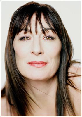 Anjelica-Huston